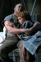 Gordon Hawkins and Morenike Fadayomi as the title characters of Porgy and Bess. Photo by Dan Rest/Lyric Opera of Chicago