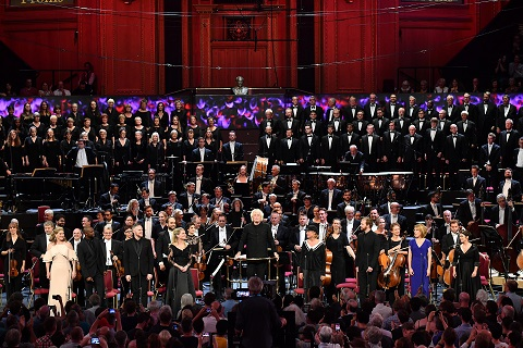 Prom 48: Sir Simon Rattle and the London Symphony Orchestra and Chorus