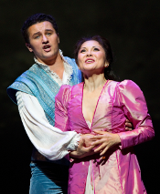 Piotr Beczala as Roméo and Hei-Kyung Hong as Juliette [Photo by Marty Sohl courtesy of Metropolitan Opera]