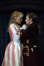 Miah Persson (Sophie) and Joyce DiDonato (Octavian)