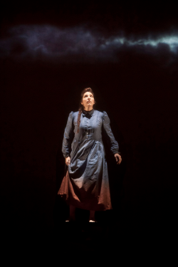 Eve Gigliotti as Ruth [Photo by Richard Termine]