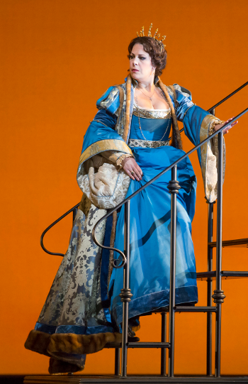 Sondra Radvanovsky as Anna Bolena [Photo by Todd Rosenberg]
