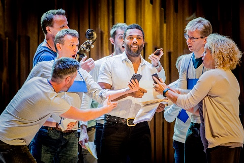 Ray Fearon, narrator in centre.jpg
