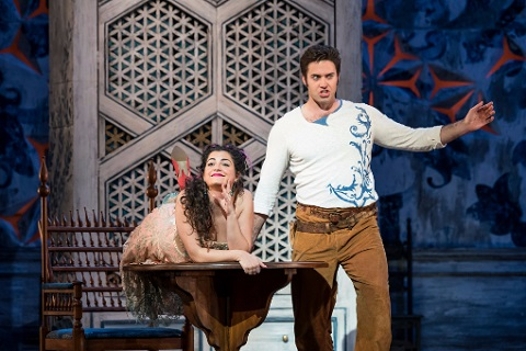 <em>Il barbiere di Siviglia</em>: Glyndebourne Touring Opera at the Marlowe Theatre, Canterbury