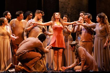 Semele (soprano Amanda Forsythe)