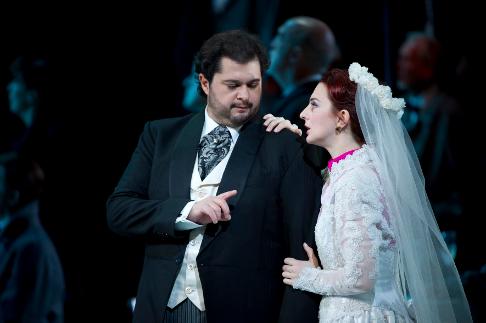SONNAMBULA ©BC20111029261 - ALBELO AS ELVINO, XANTHOUDAKIS AS LISA (C) COOPER.png