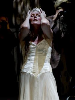 Scene from Salome [Palais Garnier / Opéra Bastille © Jean-Pierre Delagarde]