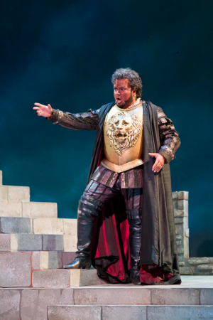 Rafael Davila as Otello [Photo by Rod Millington courtesy of Sarasota Opera]