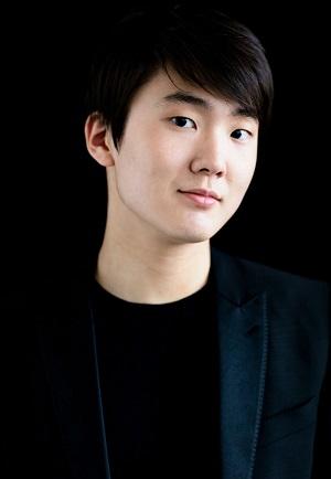 Seong-Jin_Cho_Harold Hoffmann.jpg