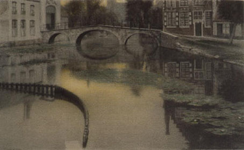 Souvenir_Bruges_Khnopff.png