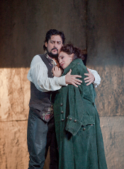 Marcelo Álvarez as Manrico and Patricia Racette as Leonora [Photo by Ken Howard courtesy of Metropolitan Opera]
