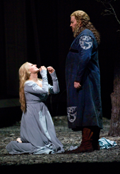 Petra Maria Schnitzer (Elisabeth) & James Rutherford (Wolfram von Eschinbach). Photo by Terrence McCarthy courtesy of San Francisco Opera.