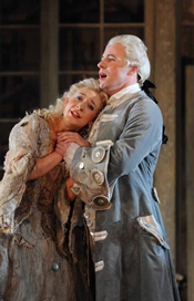 Anna Grevelius ( Rosina ) John Tessier ( Almaviva ) [Photo by Alastair Muir]