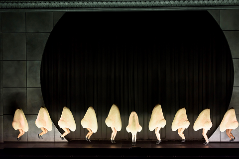 The_Nose_0237 THE NOSE AT ROYAL OPERA HOUSE © ROH. PHOTO BY BILL COOPER.png