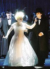 La Traviata - Christine Schäfer als Violetta Valéry Rolando Villazon als Alfredo Germont Staatsopernchor - (c) Ruth Walz
