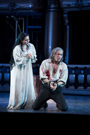 Erwin Schrott as Procida and Lianna Haroutounian as Helene [Photo © ROH / Bill Cooper]