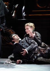 Rolando Villazón (Don Carlo) and Marina Poplavskaya (Elisabetta) in Don Carlo at ROH