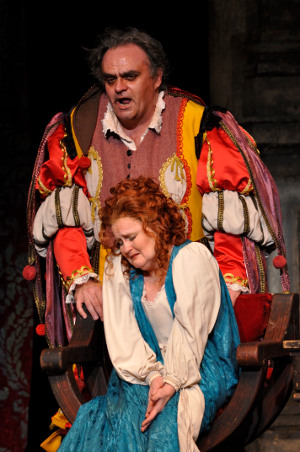 Tracy Dahl as Gilda and Todd Thomas as Rigoletto [Photo by R. Tinker  courtesy of Manitoba Opera]