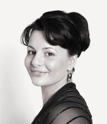 Lianna Haroutounian [http://www.liannaharoutounian.com]