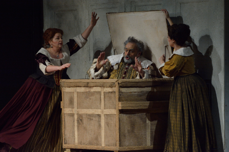 Lynne McMurtry (Mistress Quickly), Todd Thomas (Falstaff), and Lauren Segal (Meg Page). [Photo: R. Tinker]