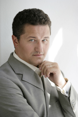 Piotr Beczala [Photo by Kurt Pinter]