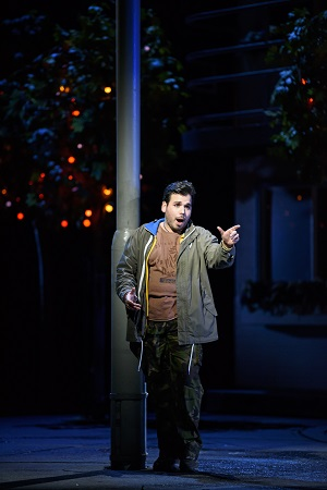 cBC20161118_ MANON_LESCAUT_0098_ LUIS GOMES AS EDMONDO c ROH. PHOTO BY BILL COOPER.jpg