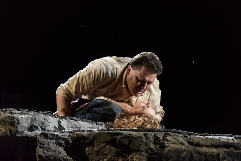 cBC20161118_ MANON_LESCAUT_0890_ ALEKSANDRS ANTONENKO AS CHEVALIER DES GRIEUX, SONDRA RADVANOVSKY AS MANON LESCAUT c ROH. PHOTO BY BILL COOPER.jpg