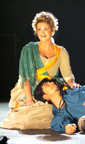 Elspeth Kincaid as Zerlina, Jesús Ibarra as Masetto (<em>Don Giovanni</em>, Nov. 2005)
