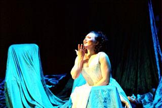 Jennifer in Figaro.jpg