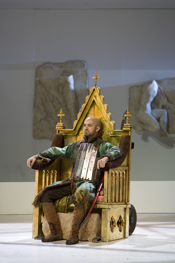 Max Emanuel Cencic (Tamerlano) on throne (Photo: Bill Cooper)