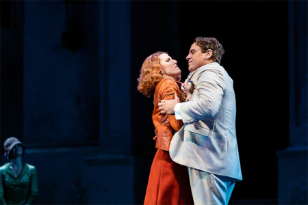 Amanda Majeski (Donna Elvira) and Lucas Meachem (Don Giovanni) [Photo courtesy of Lyric Opera of Chicago]